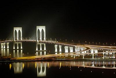 澳门西湾大桥景观照明工程